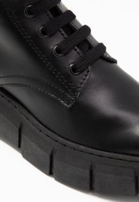 Kaltur - LOR - Platform ankle boots - black - 2