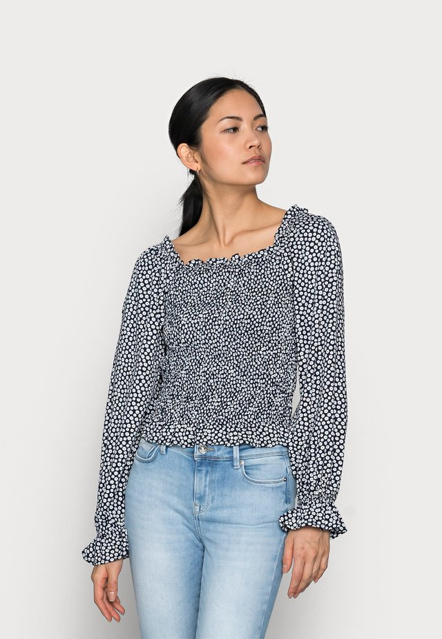 PCLAOISE TOP - T-shirt med print - sky captain/mini daisy
