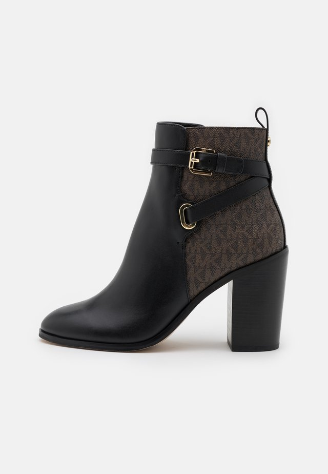 ALDRIDGE BOOTIE - Botki na obcasie - black/brown