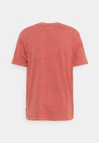 Levi's® - TAB VINTAGE TEE UNISEX - T-shirt basique - marsala - 1