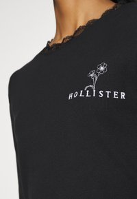 Hollister Co. - SLIM TREND - Long sleeved top - black - 6