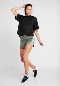 Nike Performance - Pantalón corto de deporte - juniper fog/jade horizon/galactic jade/wolf grey - 1