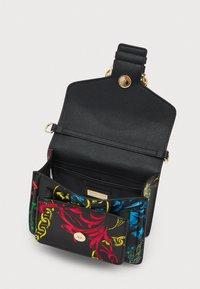 Versace Jeans Couture - BAROQUE HANDBAG - Handbag - nero - 3