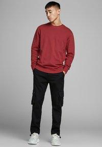 Jack & Jones - Sweatshirt - rio red - 1