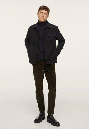 TAPERED FIT  - Pantalones - dark green