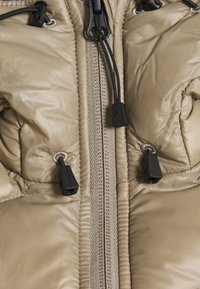 Peak Performance - HELIUM HOOD JACKET - Untuvatakki - true beige - 2