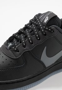 Nike Sportswear - FORCE 1 LV8 3 - Sneakers laag - black/silver lilac/anthracite/white - 2