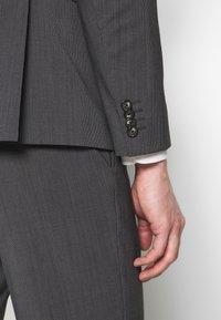 Tommy Hilfiger Tailored - SLIM FIT PEAK LAPEL SUIT - Oblek - grey - 7