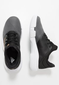 adidas Performance - GAMECOURT - Kengät kaikille alustoille - core black/copper metallic/footwear white - 1