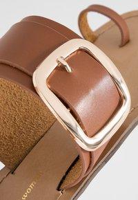 Tata Italia - Sandály s odděleným palcem - brown - 2