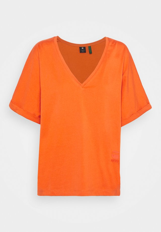 JOOSA V-NECK TEE - Jednoduché triko - acid orange