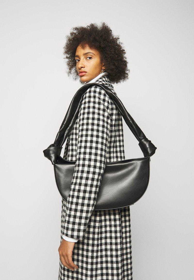 Little Liffner - DOUBLE KNOT BAG - Handbag - black