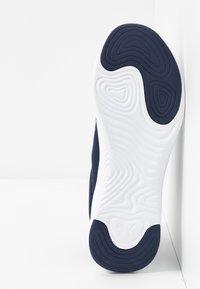 Puma - SOFTRIDE VITAL CLEAN - Zapatillas de running neutras - peacoat/black/white - 4