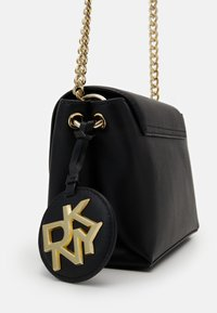 DKNY - DAYNA FLAP CBODY - Across body bag - black/gold - 4