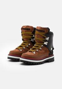 Dsquared2 - UNISEX - Snowboot/Winterstiefel - brown - 1