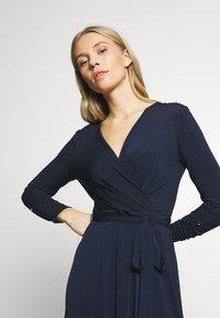 Wallis - WRAP FIT AND FLARE DRESS - Sukienka z dżerseju - navy blue - 4