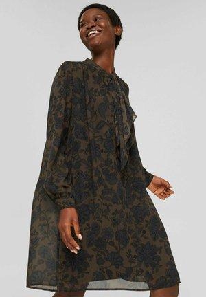 MIT SCHLUPPE - Day dress - dark brown