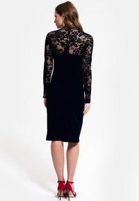 HotSquash - Pouzdrové šaty - black - 0