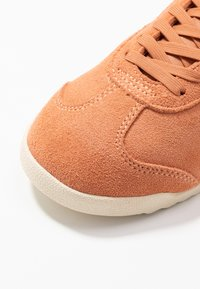 Gola - BULLET - Sneakersy niskie - peach/offwhite - 5
