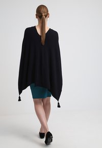 comma - PONCHO - Cape - dark blue - 2