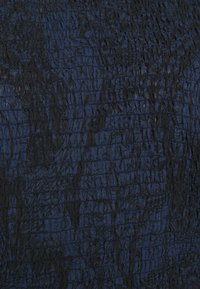 Scotch & Soda - STORYTELLING FITTED TOP WITH SMOCKED DETAILING - Blůza - dark blue - 2
