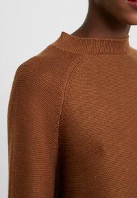 s.Oliver BLACK LABEL - LANGARM - Jumper - winter hazelnut - 5