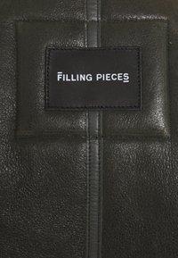 Filling Pieces - STUDIO SHEARLING JACKET UNISEX - Chaqueta de cuero - green - 3