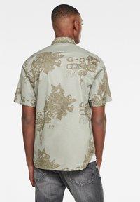 G-Star - BRISTUM 1PKT SERVICE STRAIGHT - Overhemd - lt orphus vine originals - 1
