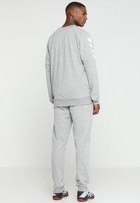 Hummel - HMLGO COTTON PANT - Spodnie treningowe - grey melange - 2