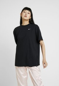 Nike Sportswear - Basic T-shirt - black/white - 0