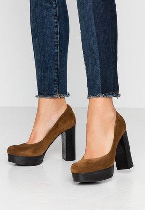 AMINA - High heels - bourbon