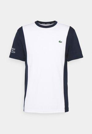 TENNIS BLOCK - T-shirt med print - white/navy blue