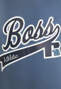 BOSS - BOSS X RUSSELL ATHLETIC - T-Shirt print - bright blue - 5
