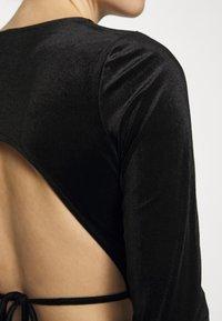 Gina Tricot - VELVET OPEN BACK - Long sleeved top - black - 6