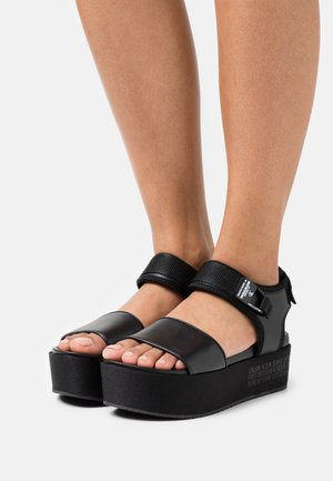 WEDGE ANKLE - Sandalias con plataforma - black