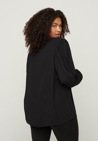 Zizzi - WITH A V-NECK AND LACE TRIM - Blouse - black - 2