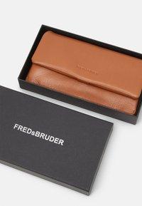 FREDsBRUDER - WALLET HEARTBEAT - Wallet - dark honey - 3