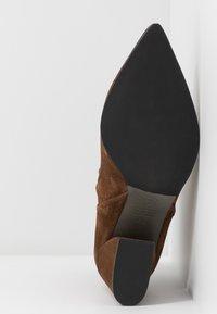 Kennel + Schmenger - AMBER - Boots à talons - castoro - 6