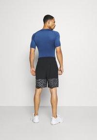 Nike Performance - SHORT 3.0  - Korte sportsbukser - black/team orange - 2