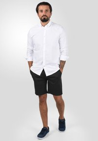 Solid - RAVI - Shorts - black - 1