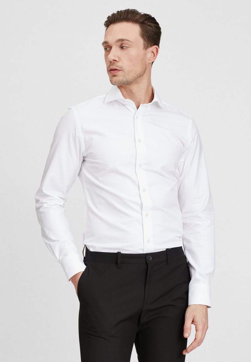 PROFUOMO - Formal shirt - white