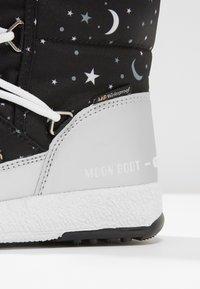 Moon Boot - UNIVERSE - Snowboot/Winterstiefel - silver/black - 2