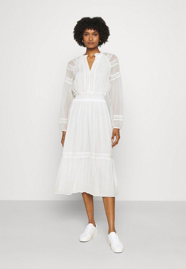 SWINTON SWISS DRESS - Korte jurk - white