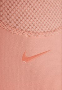 Nike Performance - WARM HOLLYWOOD - Funktionsshirt - pink quartz/clear - 5