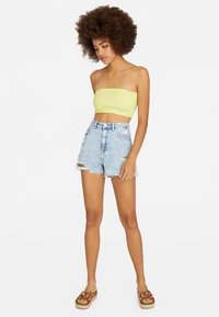 Stradivarius - Shorts di jeans - blue denim - 1