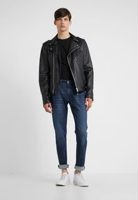 KARL LAGERFELD - Slim fit jeans - blue denim - 1