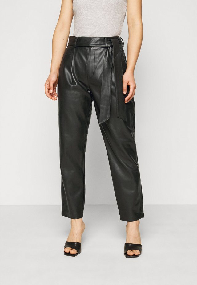 BELTED TROUSER - Broek - black