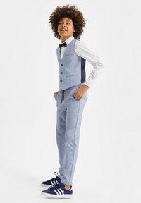 WE Fashion - Gilet elegante - light blue - 0