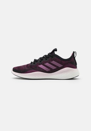 FLUIDFLOW - Neutral running shoes - core black/power berry