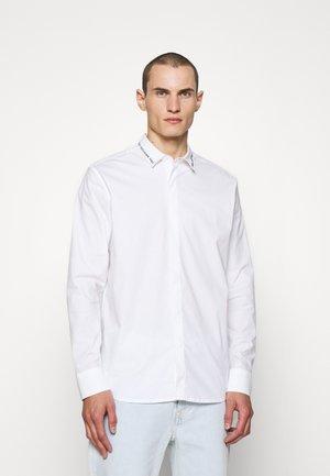 SHIRT CASUAL - Skjorta - white